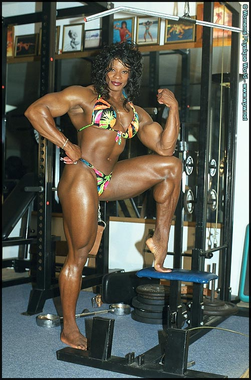 Naked Female Heavy Muscle 70